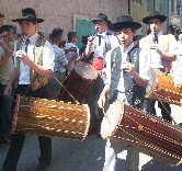 Saint-Eloi, les tambourinaire